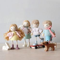 Tenderleaf Flexible Doll Figurines Goodwood Family