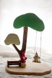 Qtoys Tree and Swing play set