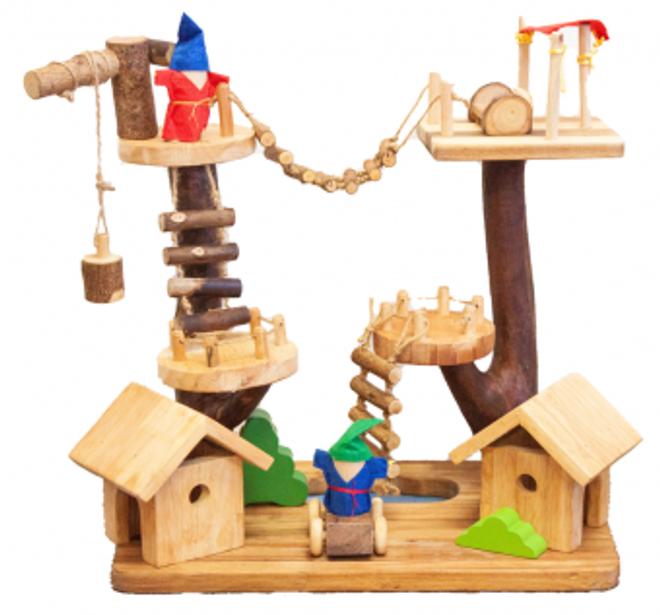 qtoys multi level treehouse