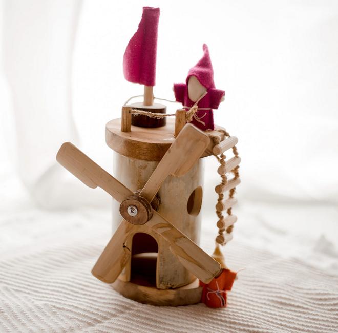qtoys wooden windmill