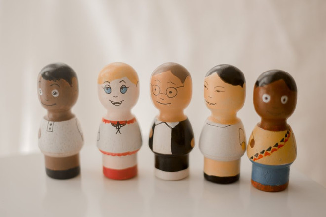 Qtoys Multicultural Dolls 1