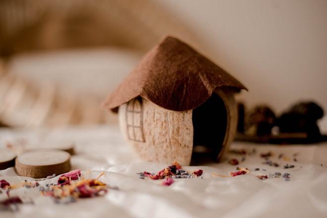 Qtoys Coconut Gnome House 1
