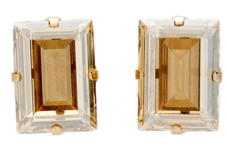 Earring 18mm Square Stud