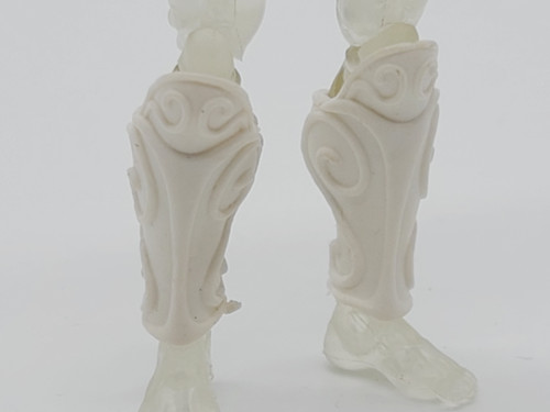 Bright White Myrmidon Leg Armor >  Test Shot