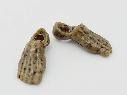 Turnbuckle Biter Bare Feet