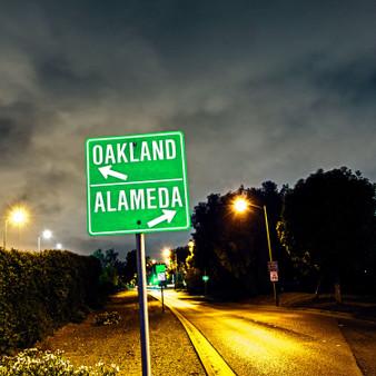 Oakland Alameda Sign