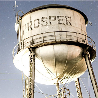 Welcoming visitors and locals to its affluent, small town is Prosper, Texas, located in the Collin and Denton Counties. With less than 15,000 people in its population, this water tower has been in the town for decades, making it a true staple to its refined yet rustic essence.