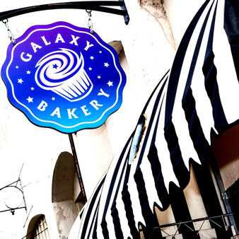 Family-run spot for treats such as custom cakes & cupcakes in rotating flavors, plus bread & quiche.