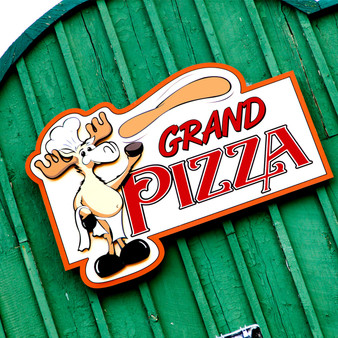 Grand Pizza is located on the boardwalk of Grand Ave in Grand Lake, a small rustic town near the west entrance to Rocky Mountain National Park. In addition to pizza this eatery also serves a variety of crisp salads with produce prepared daily, fresh grilled panini sandwiches, and calzones.