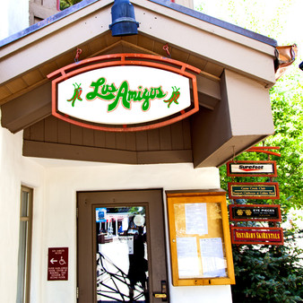 Los Amigos is a local favorite for enjoying margaritas and Mexican food in a place that opens up to great mountain views. With a big outdoor deck facing Vail Mountain, Los Amigos provides the setting for skiers and adventurers to sit outside and watch the end-of-day action in Vail Village.