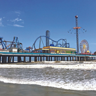 Featuring waterfront fun and entertainment like no other Gulf Coast destination, the Galveston Island Historic Pleasure Pier features family-oriented attractions including rides, midway games, a wide selection of food venues and retail shops. Not to mention, Galveston Island Historic Pleasure Pier is an actual pleasure pier in Galveston, Texas recently created in 2012.