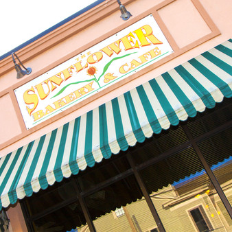 Serving since 1999, the Sunflower Bakery and Cafà hosts freshly baked treats with an all-day menu of all-American meals in its cozy setting.