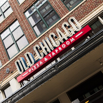 Old Chicago is the place to discover unique specialty brews, enjoy delicious pizzas and unique entrà es while celebrating with friends.