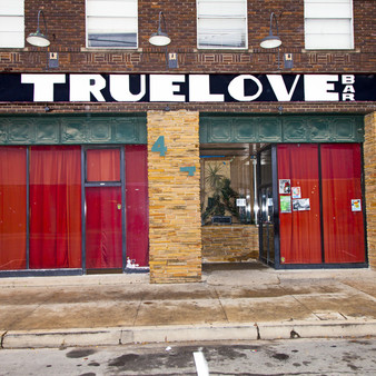 Serving craft beer and good spirits, this laidback-full bar is located in the heart of downtown. Featuring a range of live entertainment like karaoke and open mic nights, Truelove bar is more than just a hangout spot, but another home.