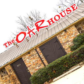 The Oar House is an upscale restaurant with Italian cuisine, including seafood dishes, plus a full bar and garden seating. In addition, they feature several themed nights and are willing to book private events and parties.