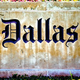 Constantly welcoming tourists to its city or filling its locals with more pride, is this Dallas sign. This can be a great shot to capture while travelling, to let people know where you are!