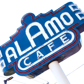 With its goal being to present a fiesta at every table, Alamo Cafà has been recognized as a staple casual yet authentic tex-mex hangout spot. Featuring award-winning queso, this cafà has been running for 30 years and don't take celebrations lightly.