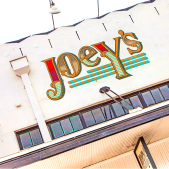 Joey's, also known as the Spurs bar of choice for fans, is the predecessor to Blue Star Brewery. Serving brewpub food & drink in a cozy, comfortable setting with outdoor seating and multiple pool tables, Joey's laidback atmosphere is inviting for more than just the locals.