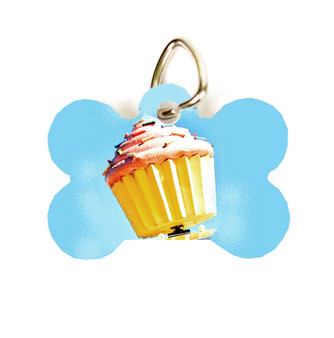 This pet tag features the Hey Cupcake! from Austin, Texas. Choose between round or dog bone shaped.