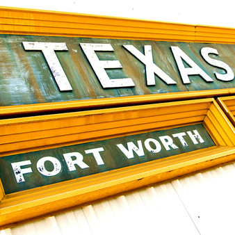 Welcoming visitors to this small town just north of Dallas, is this grand Fort Worth sign.