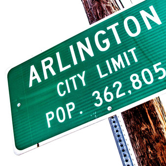 With a grand population of almost 400,000 people, Arlington welcomes you into its charming time that features a small-town vibe.