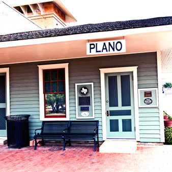 This old-school downtown Plano station opened in 2002 and still operates today. As a DART Light Rail station, the Plano Station serves the red and orange lines.