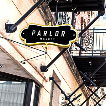 Located in the heart ofJackson'srevitalized downtown area,Parlor Marketspecializes in modern Italian cuisine with Southern influences, drawing inspiration and ingredients from local farmers, ranchers and deep rooted traditions.