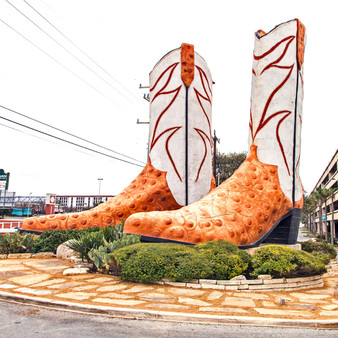 Located front and center at the North Star Mall, this boot sculpture has been recognized across the world as the largest set of cowboy boots. Built by San Antonio local, Bob Wade, in 1980, these famous cowboy boots once housed a country radio station that broadcasted live from inside of them during a rodeo.