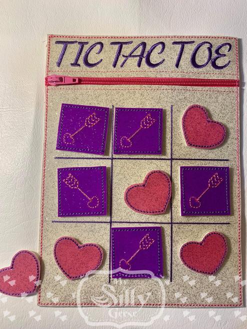 5x7 Tic Tac Toe Zip Pouch Hearts & Arrows