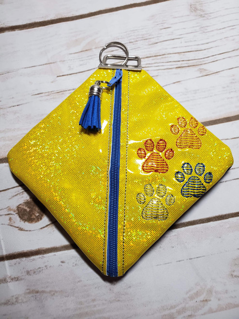 Diamond Zip Pouch Paw Prints