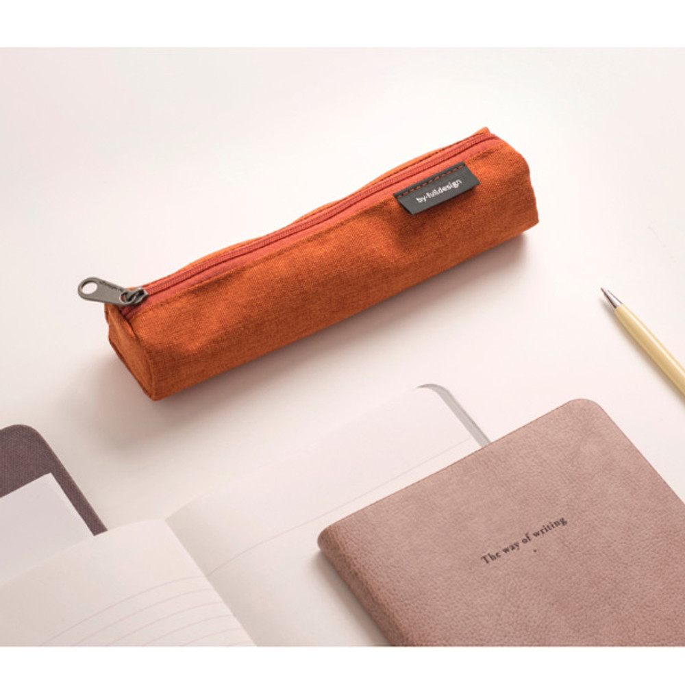 Usage example - Byfulldesign Tiny but Big tube zipper pencil case