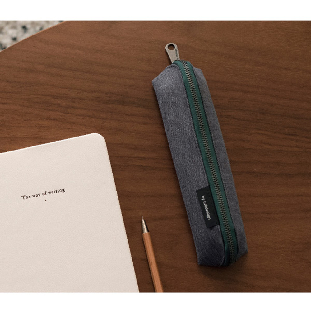 Usage example - Byfulldesign Tiny but Big triangle zipper pencil case
