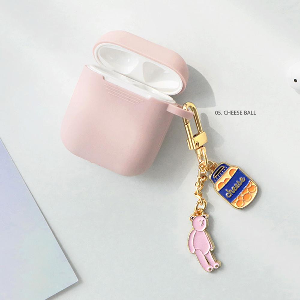 05 Cheese ball - ICONIC Merry metal keyring key clip key chain
