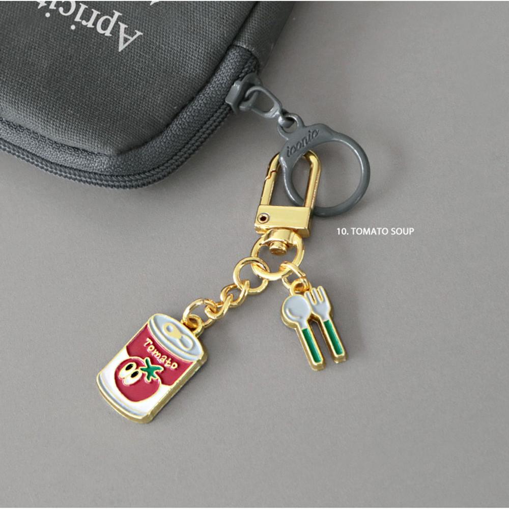 10 Tomato soup - ICONIC Merry metal keyring key clip key chain