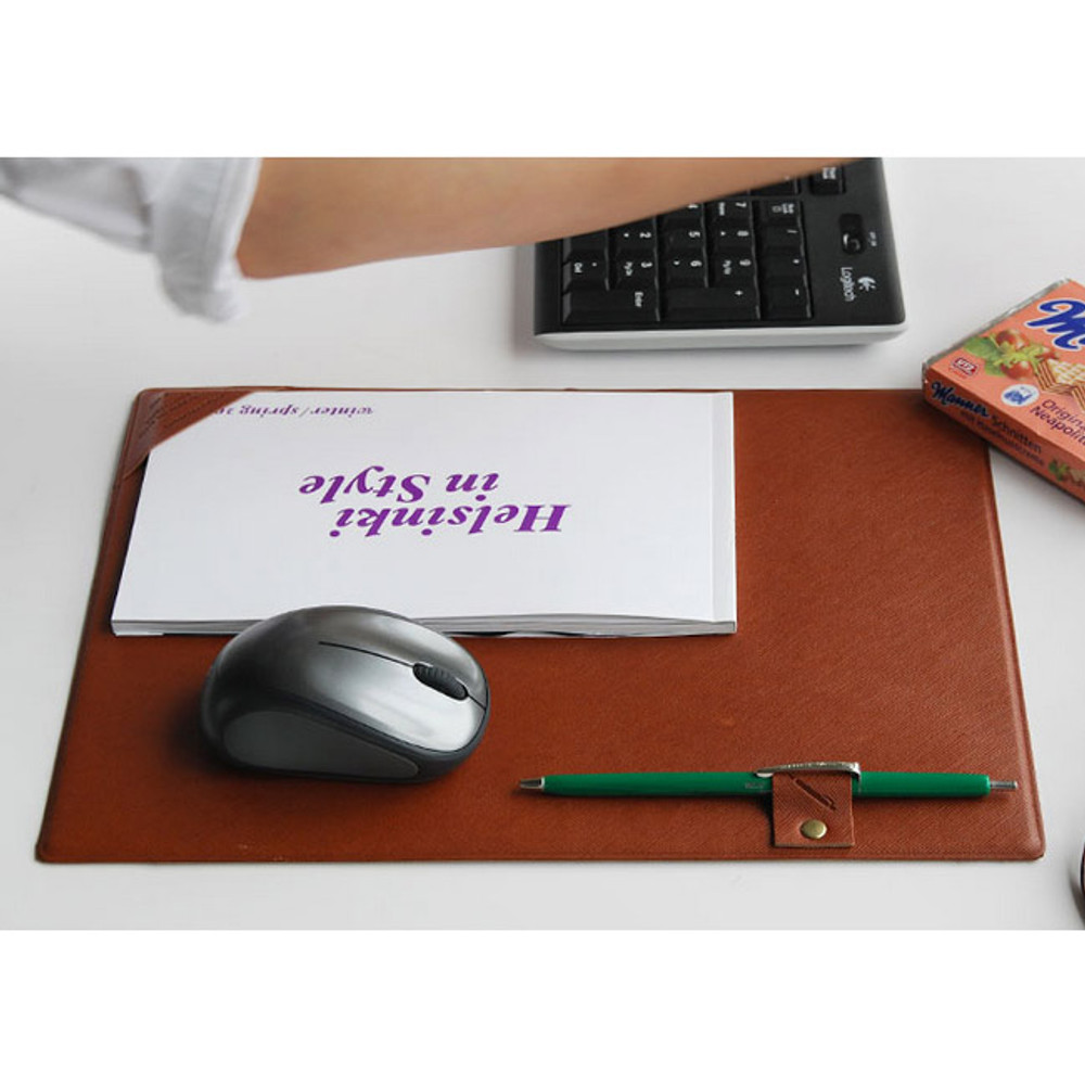 Sweet brown - Episode desk pad mouse pad