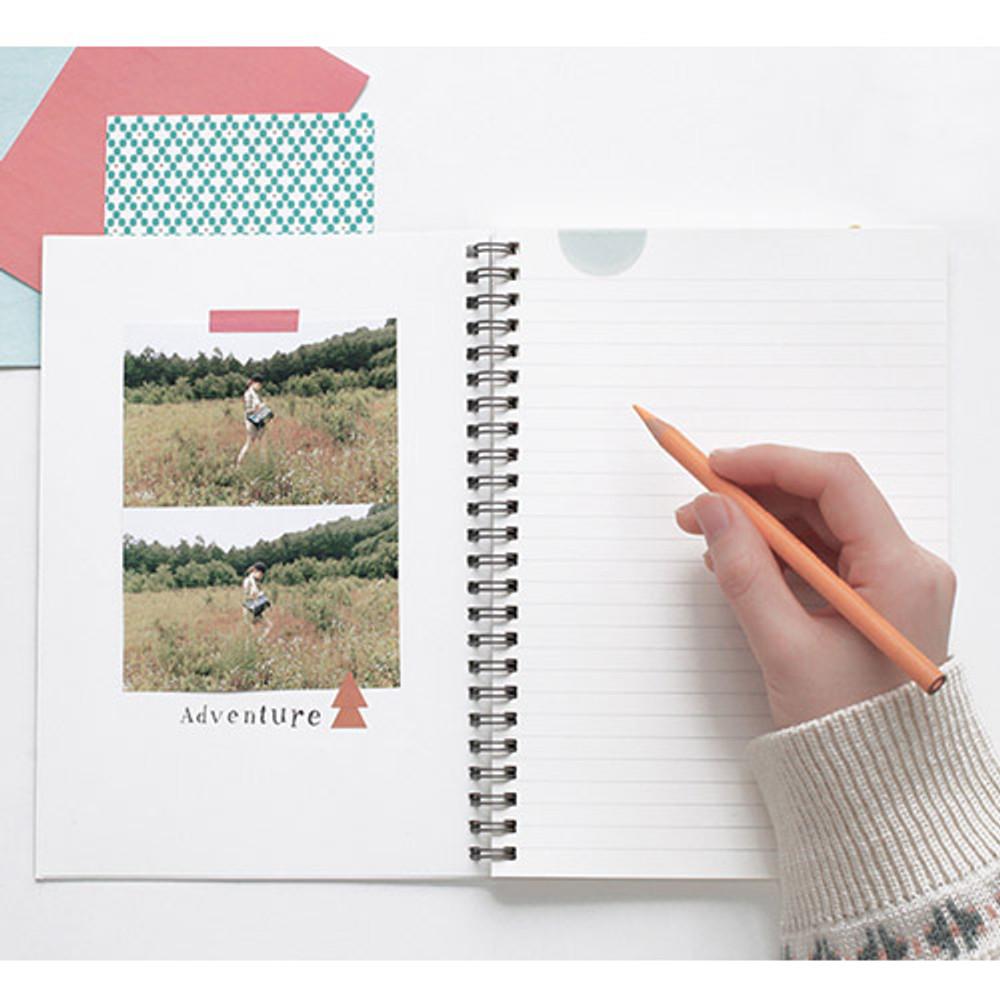 Planet wirebound lined notebook