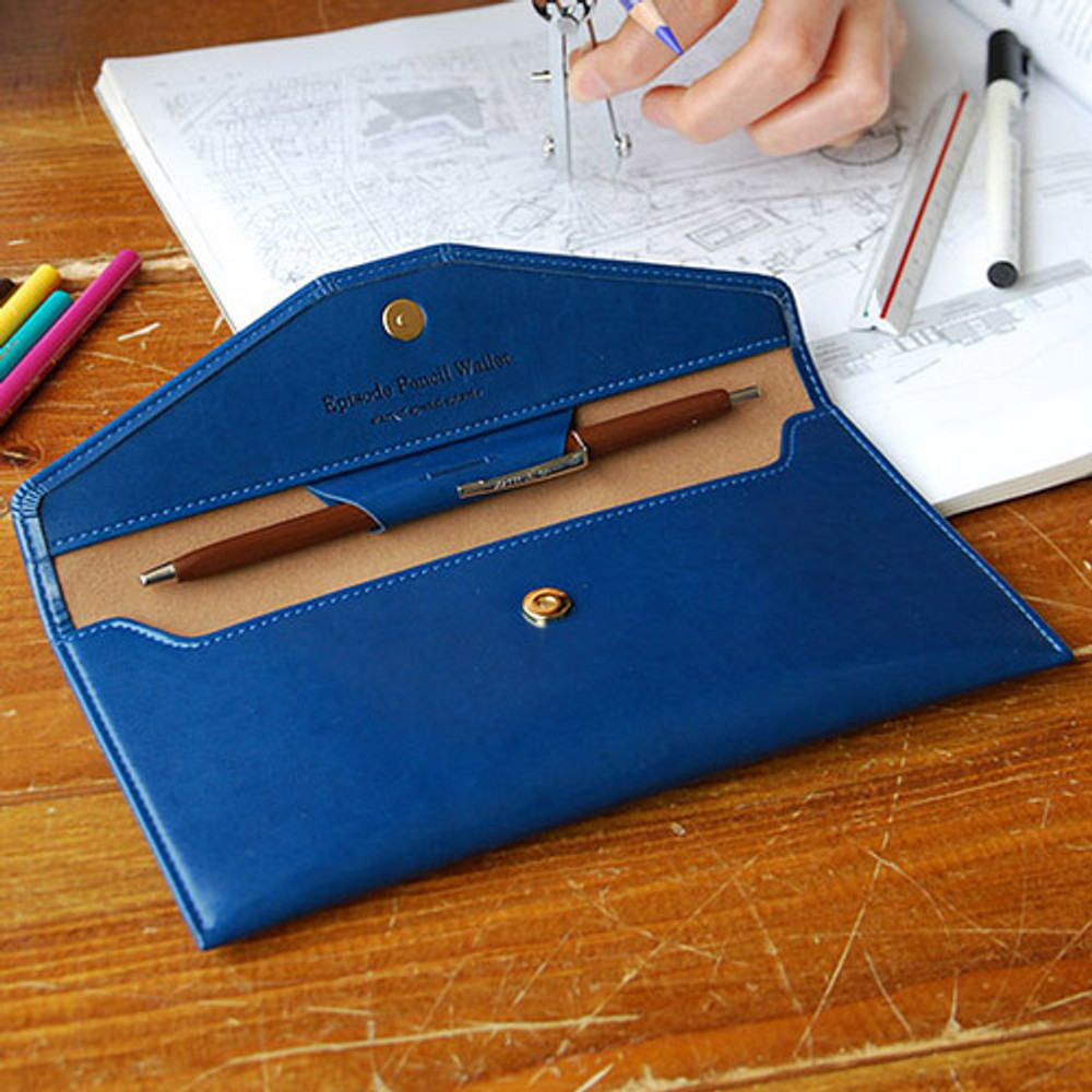 Navy blue - Episode passion in my pencil wallet