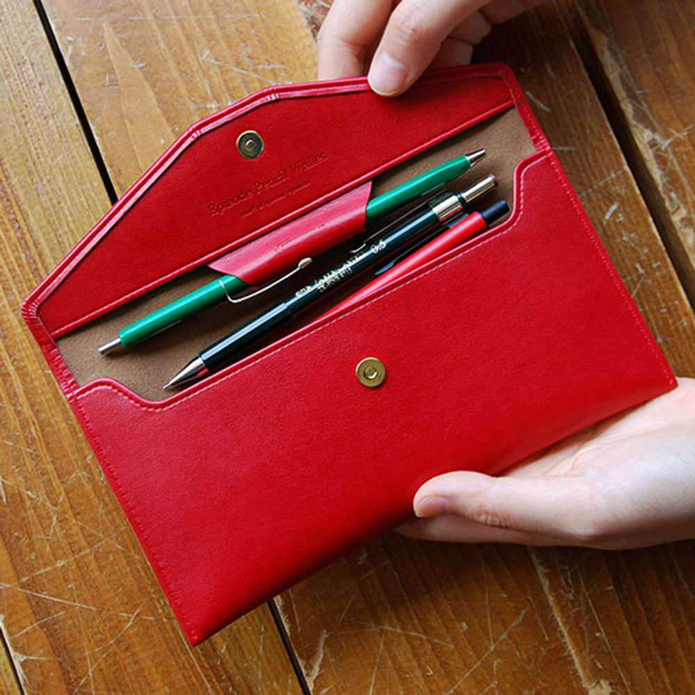 Raspberry red - Episode passion in my pencil wallet