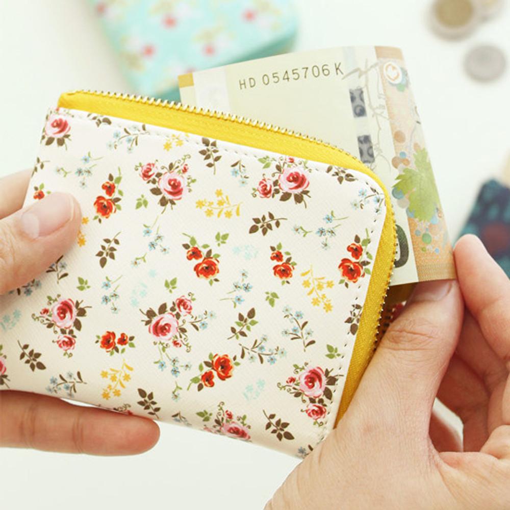 Bouquets - Blossom garden half zip around pocket wallet