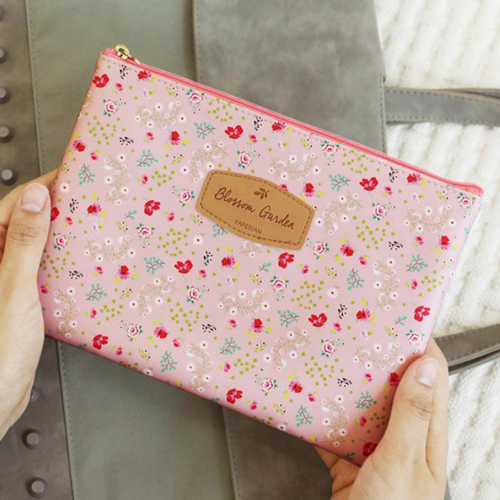 Paulie - Blossom garden large zipper pouch