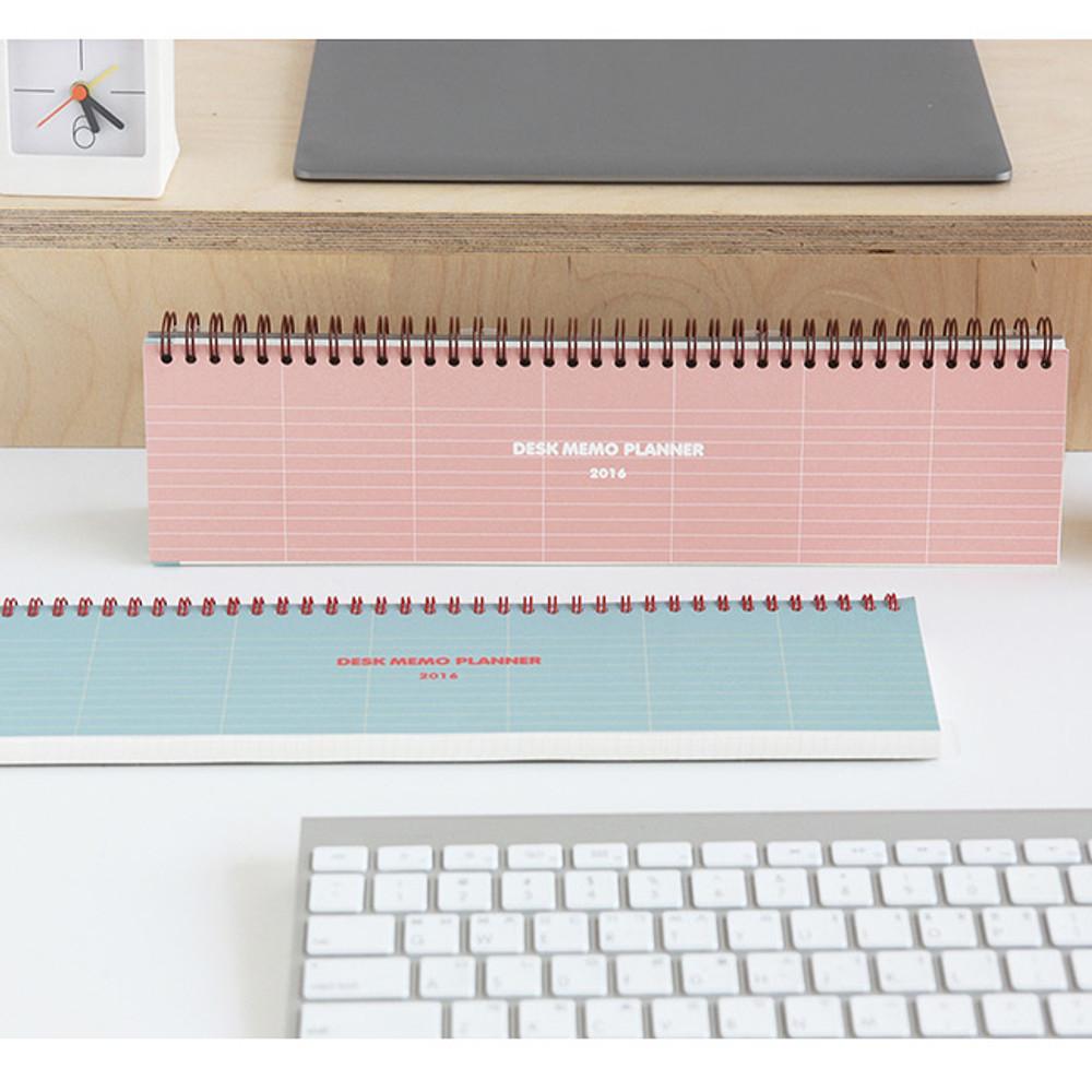 Desk wirebound dated planner