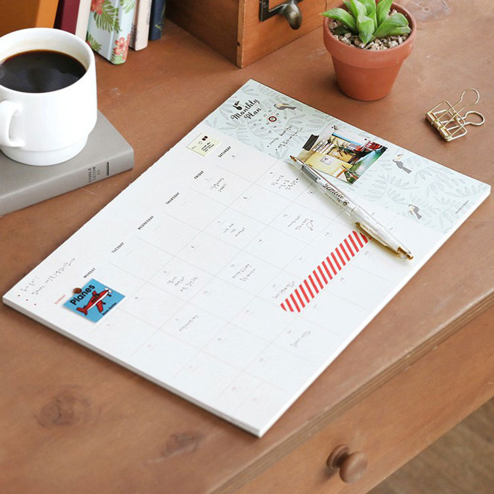 Desk pattern undated monthly planner