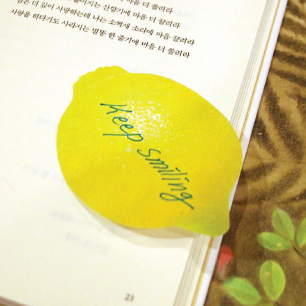 Lemon sticky memo notes