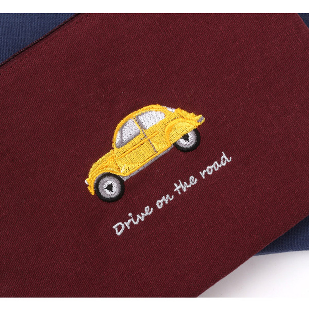 Detail of Tailorbird inpressive contrast car small pouch