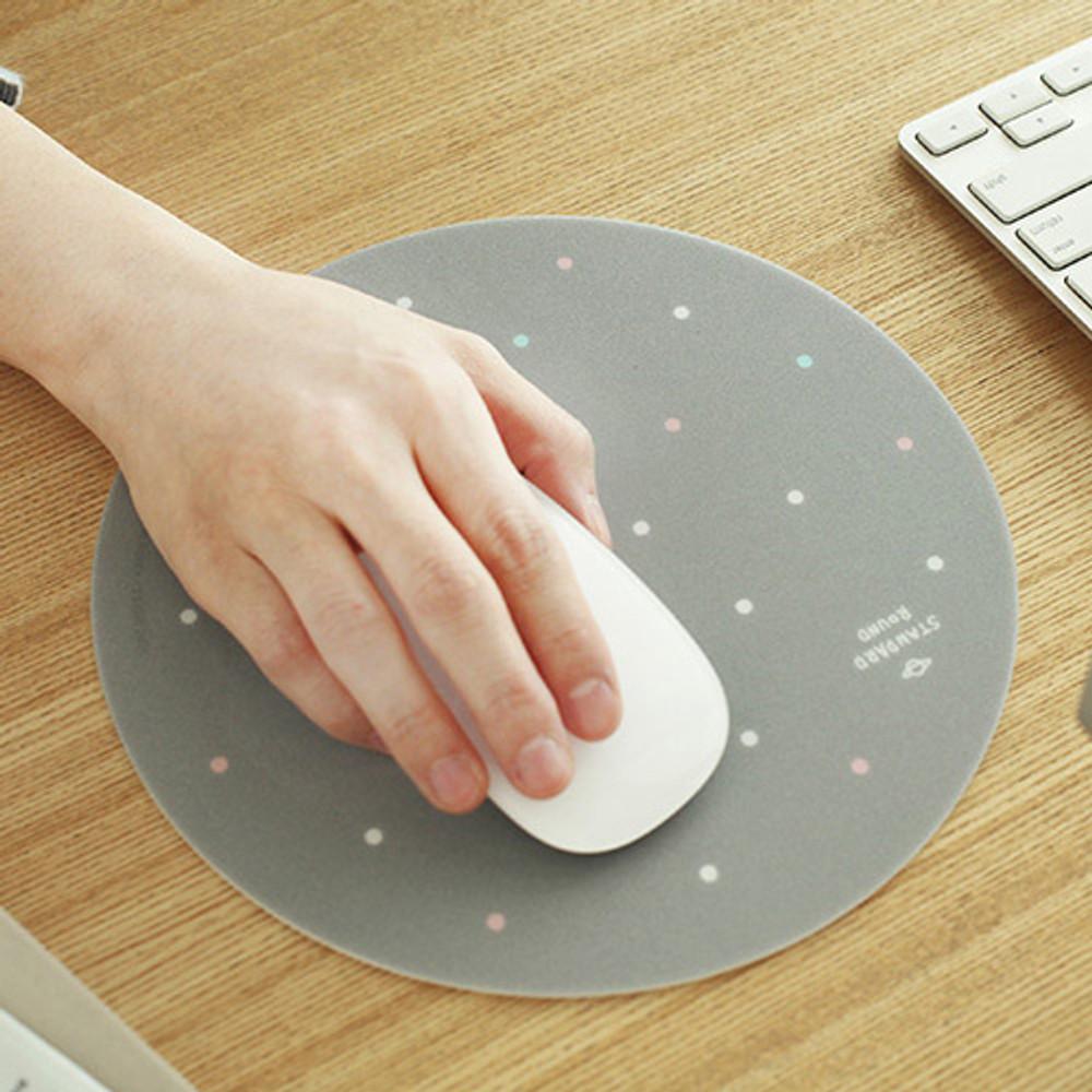 Gray dot pattern standard round mouse pad
