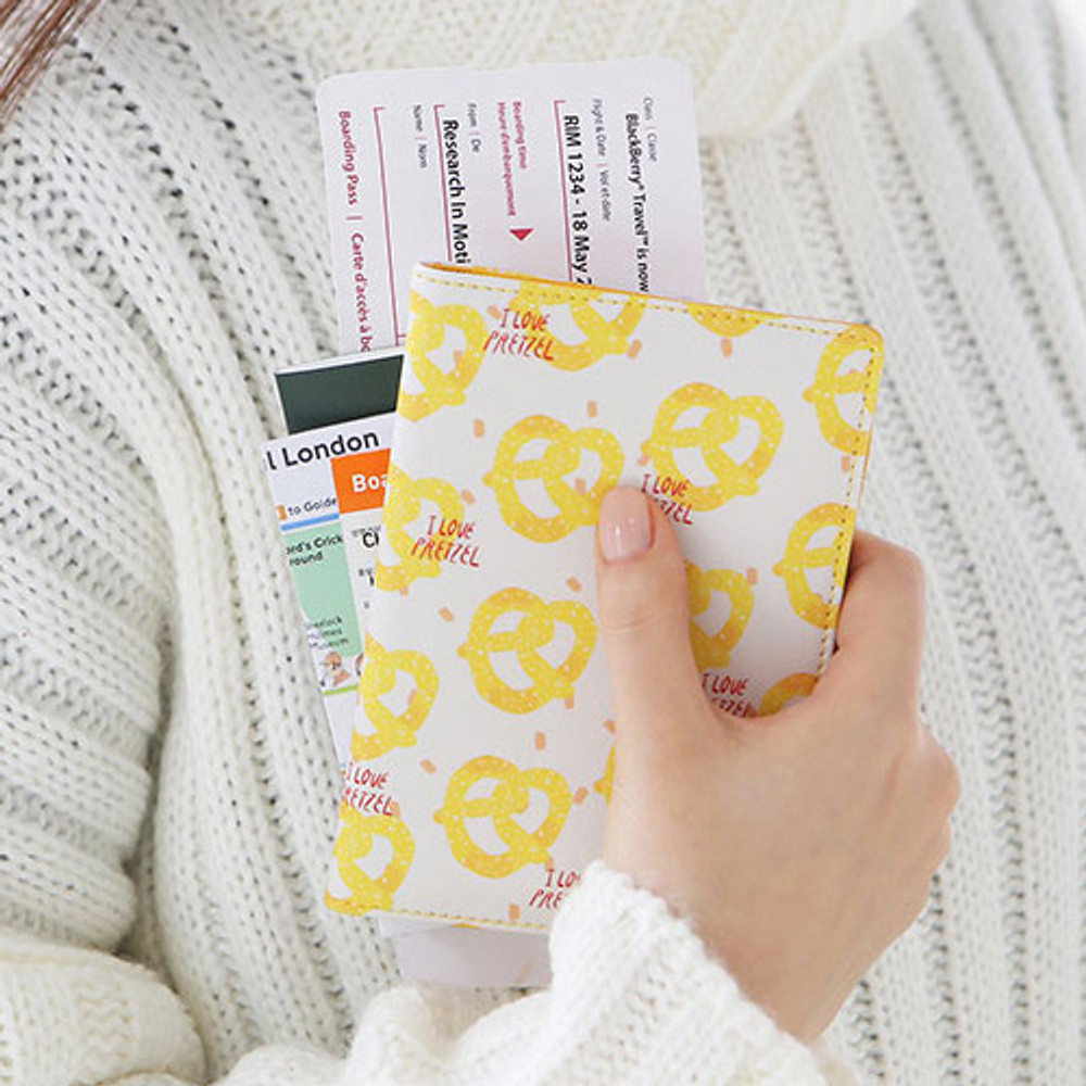 Pretzel - Rim pattern passport cover case