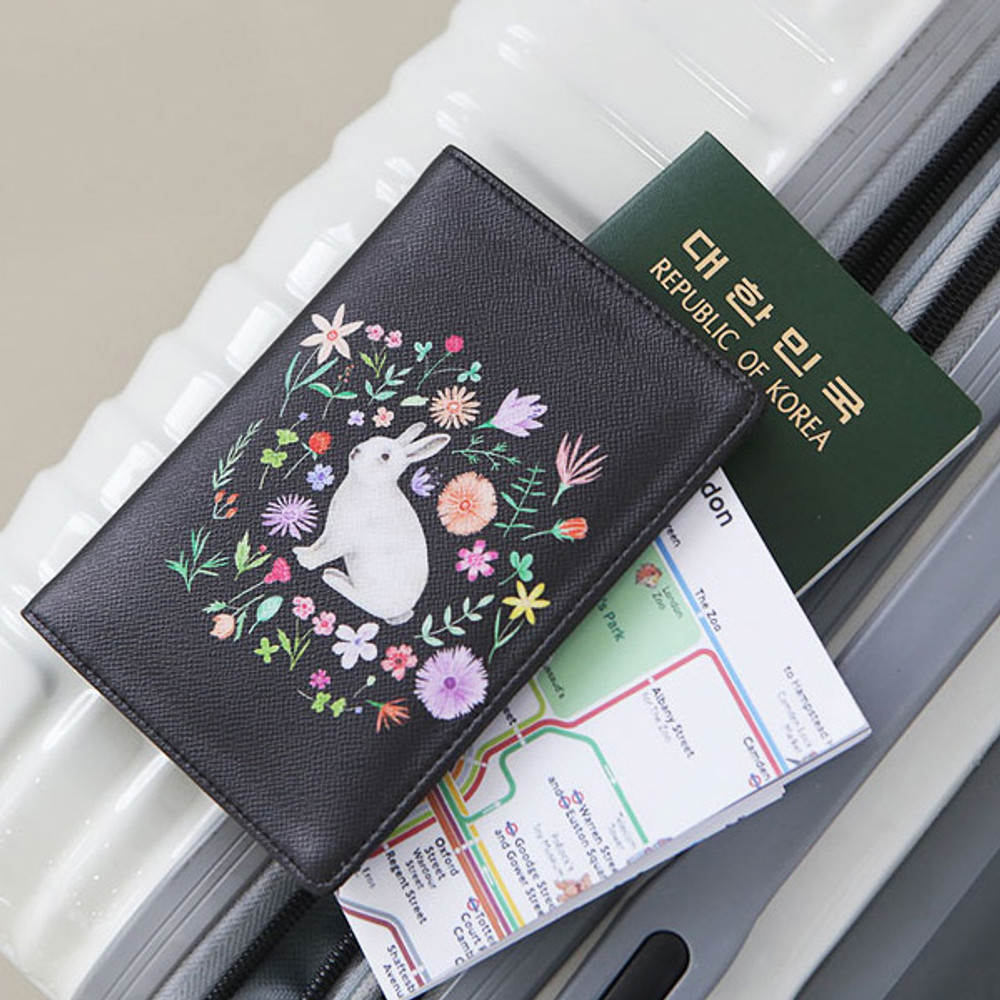 Rabbit - Rim pattern passport cover case