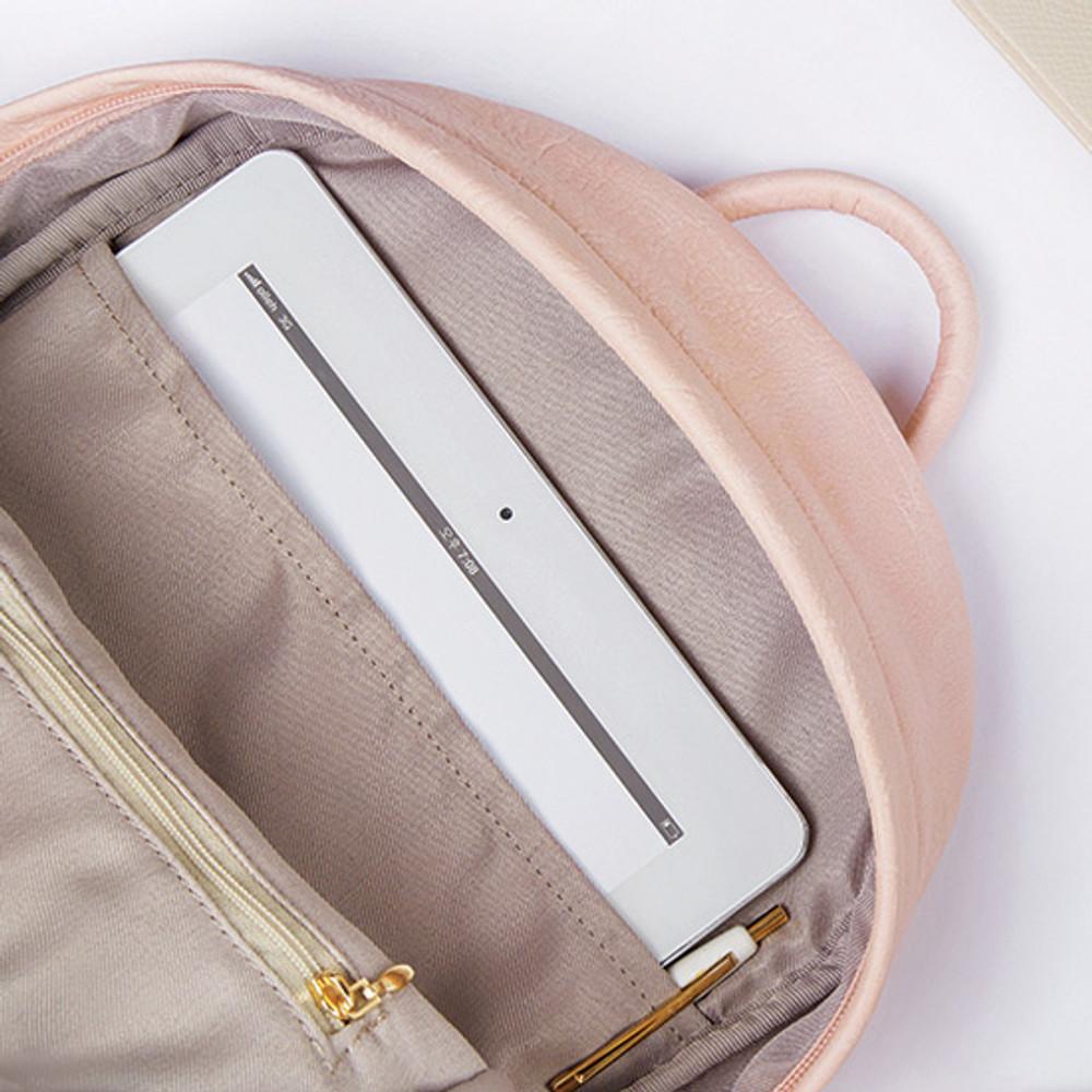 Zippered pocket