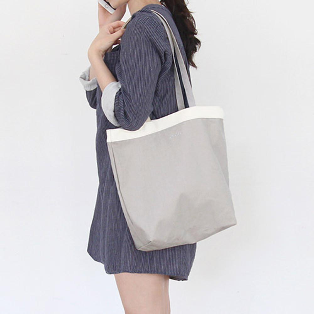 Warm gray - Around'D line shoulder bag tote