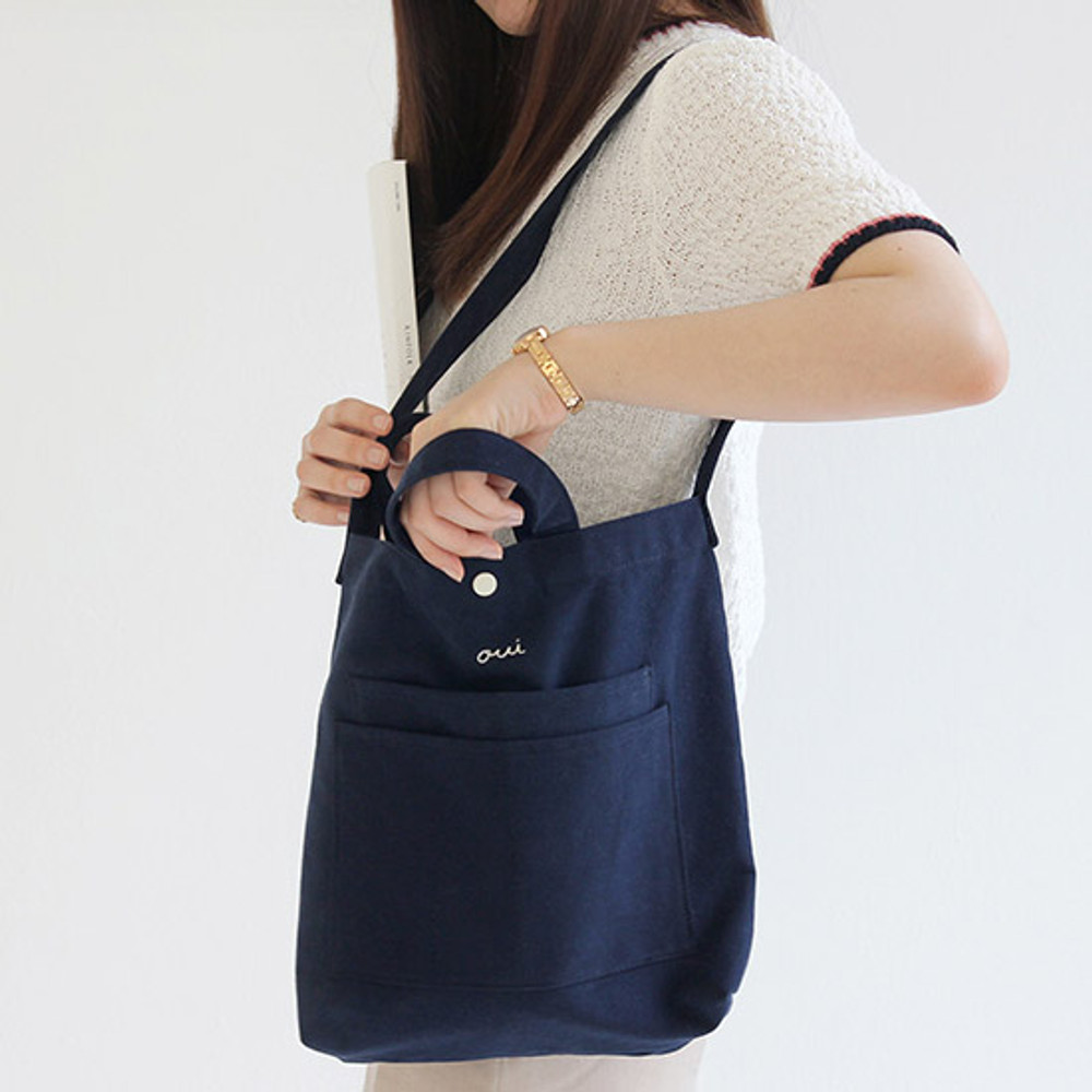 Navy - Around'D two pocket bag - small